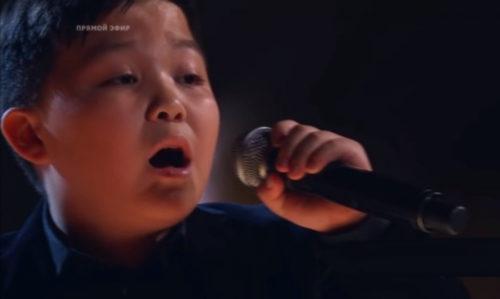 Финалиста «Голос. Дети» Ержана Максима пригласили на Премию МУЗ-ТВ